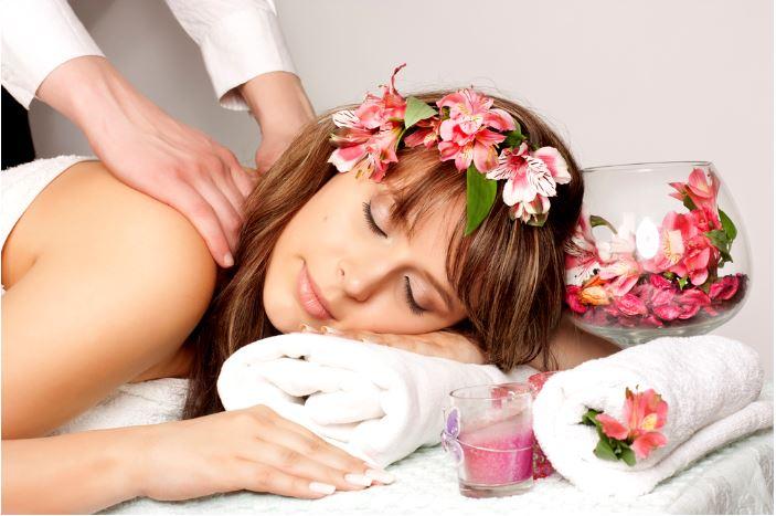 woman-getting-massage