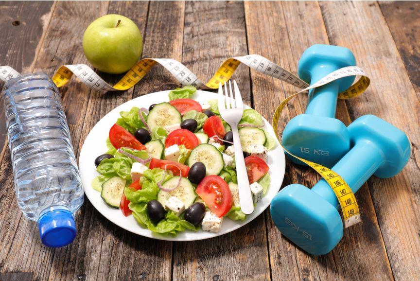 veggie-plate-wooden-table
